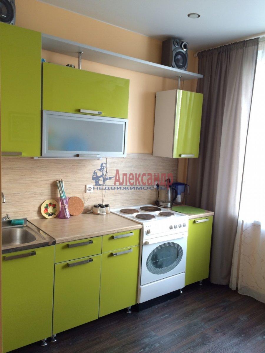 1-комнатная квартира (35м2) в аренду по адресу Русановская ул., 9— фото 1 из 8