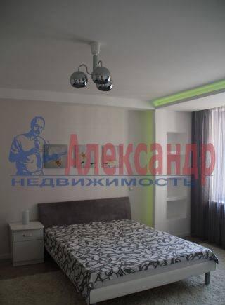 2-комнатная квартира (65м2) в аренду по адресу Обуховской Обороны пр., 110— фото 4 из 7