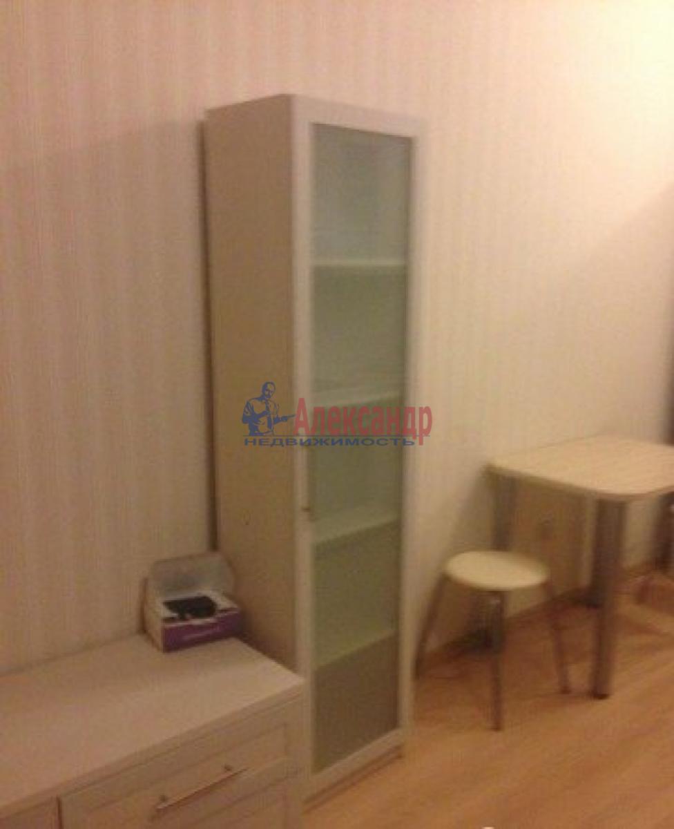 1-комнатная квартира (30м2) в аренду по адресу Адмирала Черокова ул., 22— фото 3 из 9
