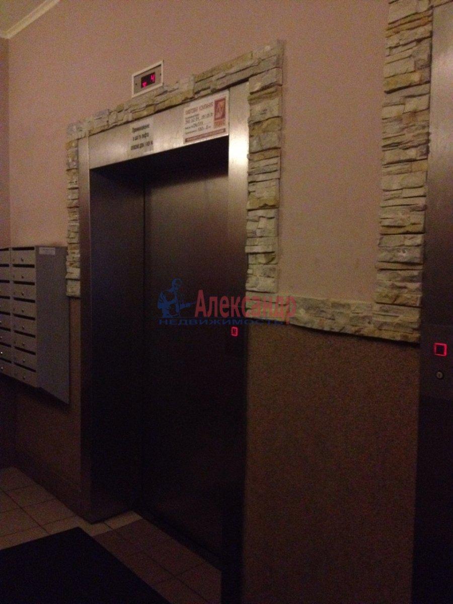2-комнатная квартира (65м2) в аренду по адресу Савушкина ул., 143— фото 2 из 11