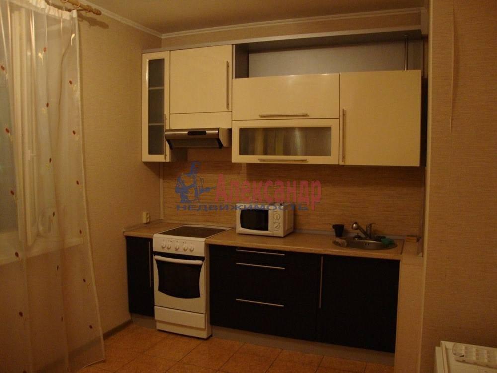 2-комнатная квартира (61м2) в аренду по адресу Солдата Корзуна ул., 4— фото 1 из 8