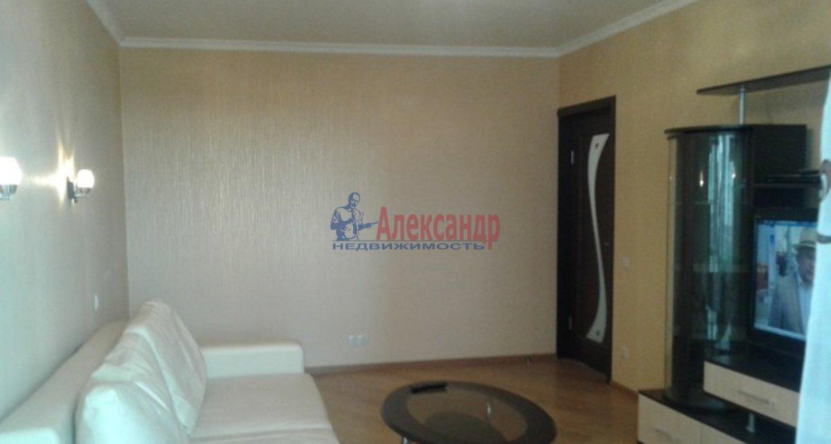 1-комнатная квартира (42м2) в аренду по адресу Кораблестроителей ул., 34— фото 2 из 4