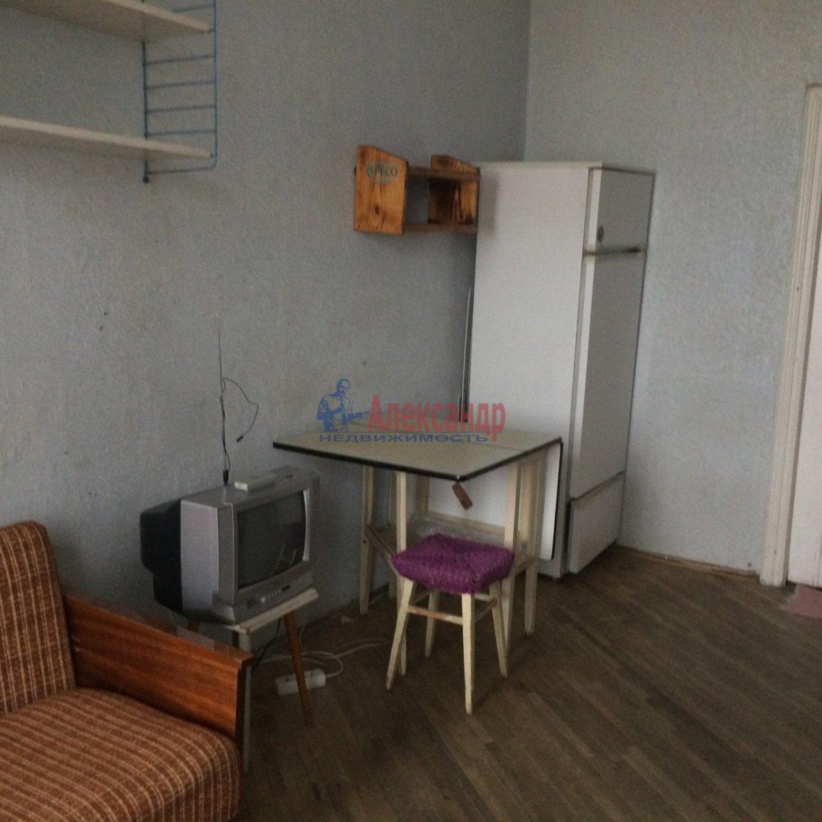 Комната в 4-комнатной квартире (100м2) в аренду по адресу 14 линия В.О., 45— фото 4 из 14