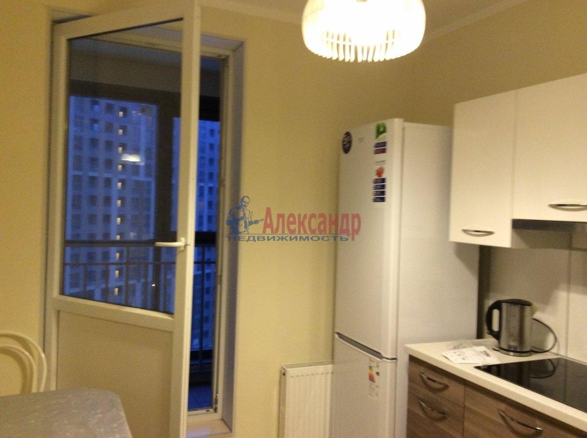 1-комнатная квартира (42м2) в аренду по адресу Петергофское шос., 57— фото 2 из 9