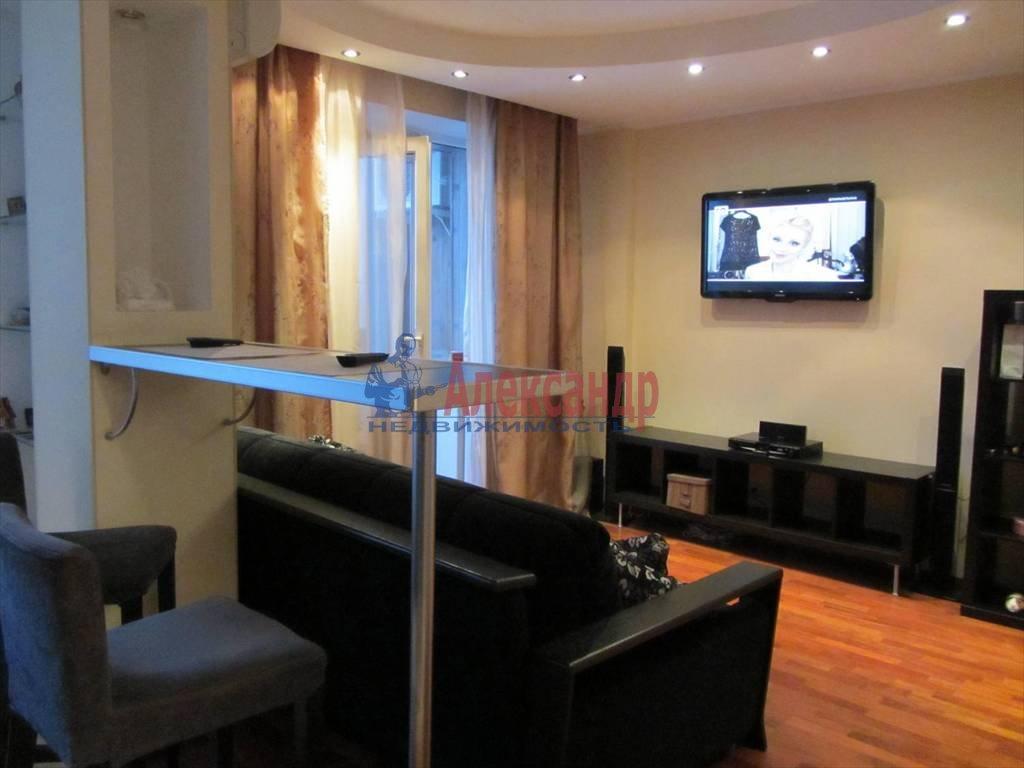 1-комнатная квартира (40м2) в аренду по адресу Коломяжский пр., 15— фото 1 из 7