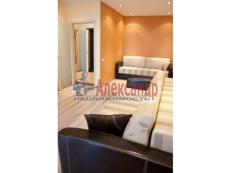 2-комнатная квартира (64м2) в аренду по адресу Коломяжский пр., 15— фото 2 из 6