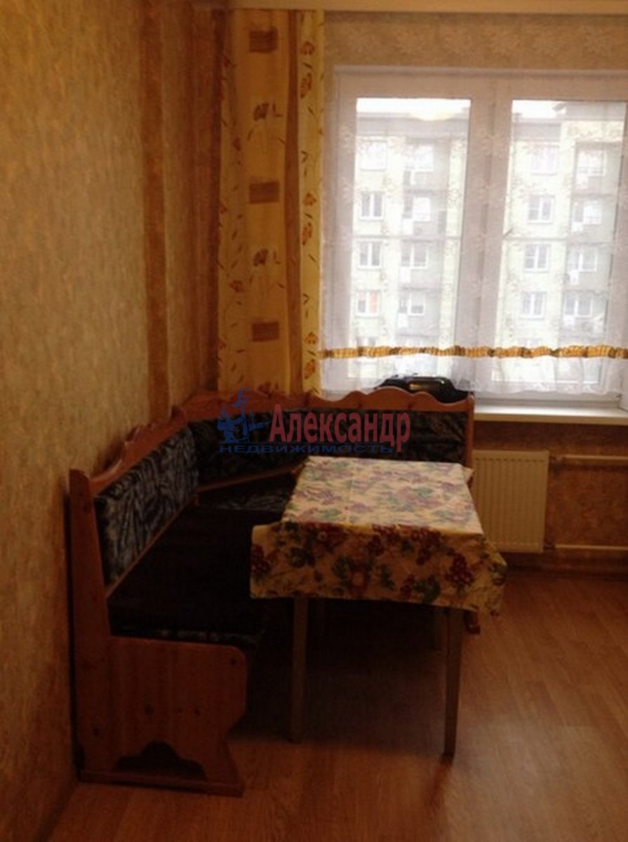 2-комнатная квартира (62м2) в аренду по адресу Михаила Дудина ул.— фото 4 из 10