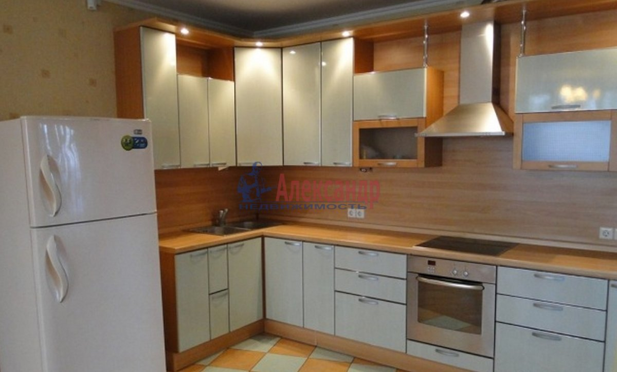 2-комнатная квартира (58м2) в аренду по адресу Ворошилова ул., 31— фото 2 из 3