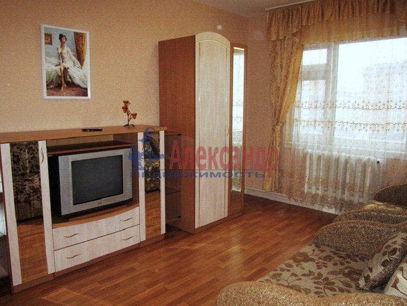 1-комнатная квартира (37м2) в аренду по адресу Бассейная ул., 53— фото 1 из 2
