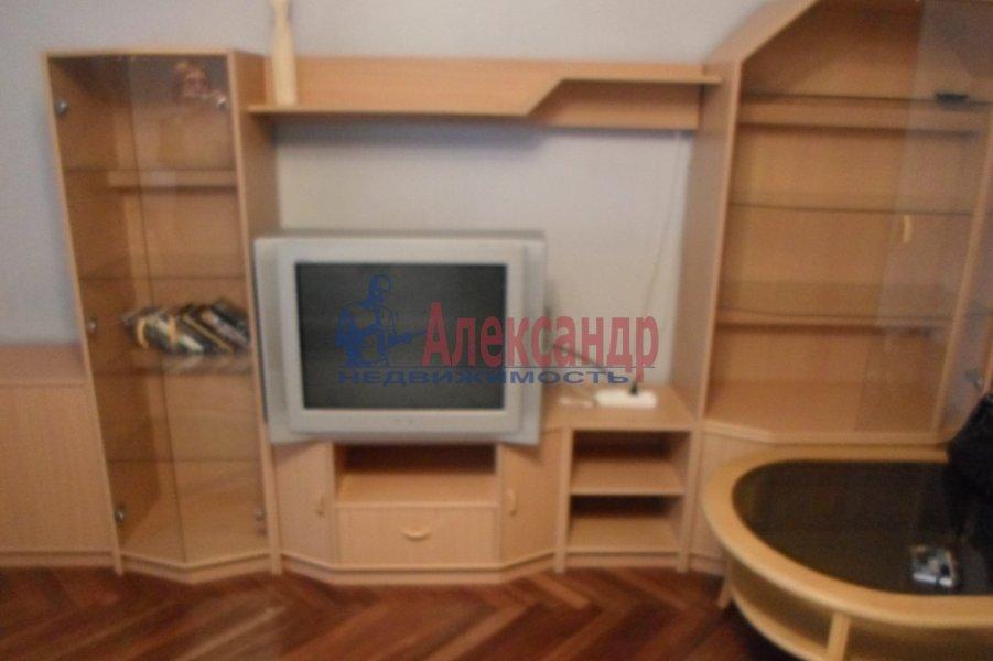 1-комнатная квартира (40м2) в аренду по адресу Витебский пр., 87— фото 2 из 4