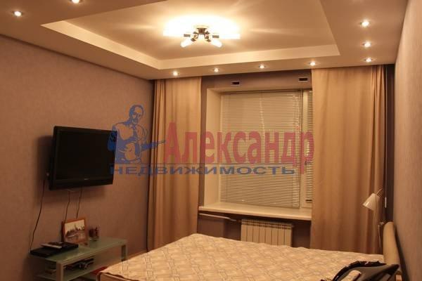 2-комнатная квартира (56м2) в аренду по адресу Славы пр., 12— фото 6 из 7