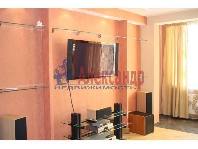 2-комнатная квартира (70м2) в аренду по адресу Бармалеева ул., 15— фото 3 из 6
