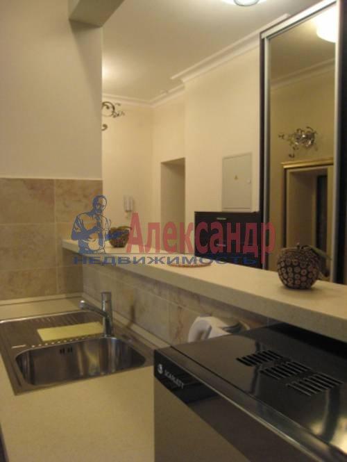 2-комнатная квартира (75м2) в аренду по адресу Смольного ул., 2— фото 4 из 8