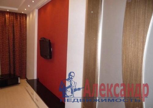 2-комнатная квартира (68м2) в аренду по адресу Дрезденская ул., 11— фото 8 из 11