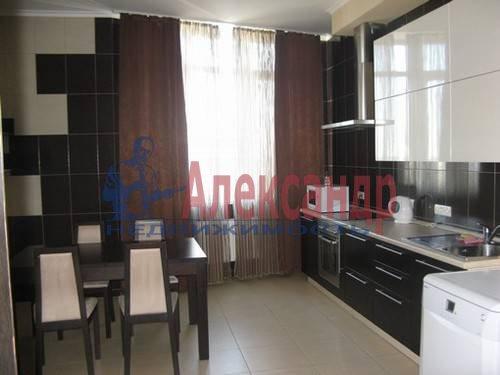 2-комнатная квартира (70м2) в аренду по адресу Варшавская ул., 23— фото 1 из 7