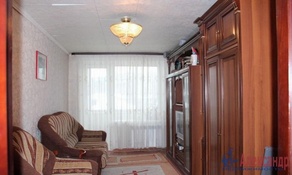 3-комнатная квартира (63м2) в аренду по адресу Кораблестроителей ул., 46— фото 1 из 4