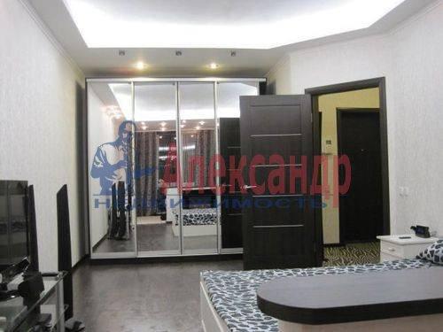 2-комнатная квартира (60м2) в аренду по адресу Шелгунова ул., 9— фото 4 из 7