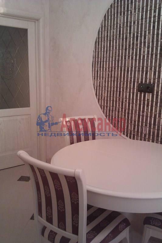 2-комнатная квартира (80м2) в аренду по адресу Петрозаводская ул., 13— фото 5 из 10