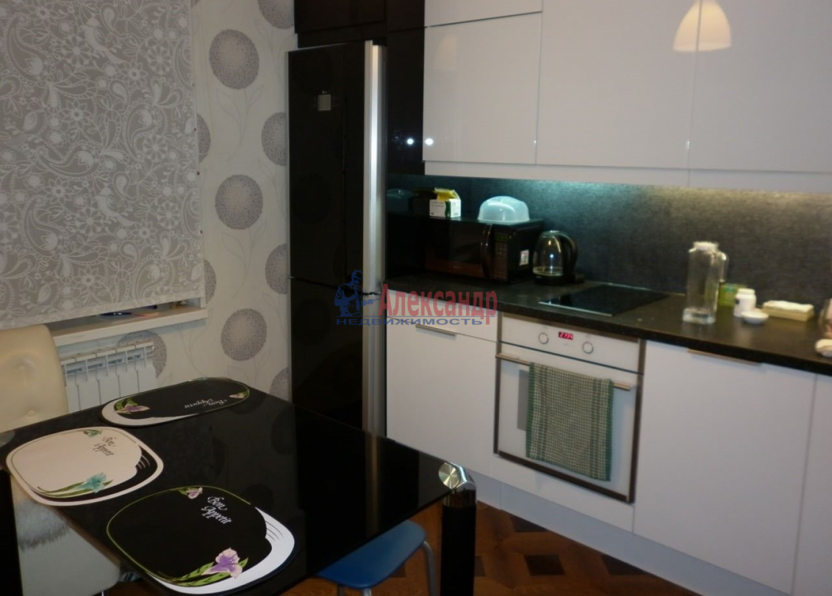 1-комнатная квартира (43м2) в аренду по адресу Ленинский пр., 109— фото 2 из 11