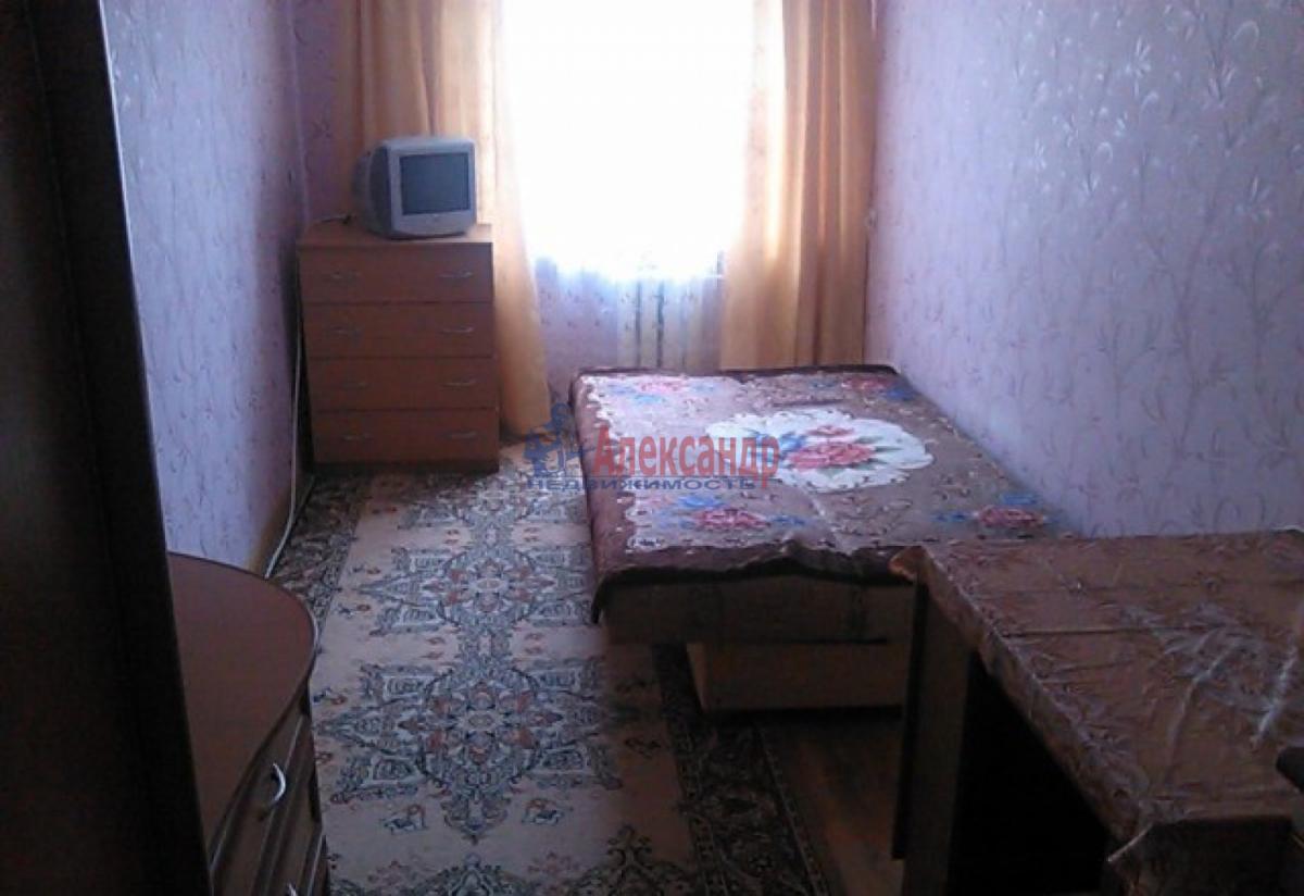Комната в 3-комнатной квартире (76м2) в аренду по адресу 21 линия В.О., 16— фото 1 из 6