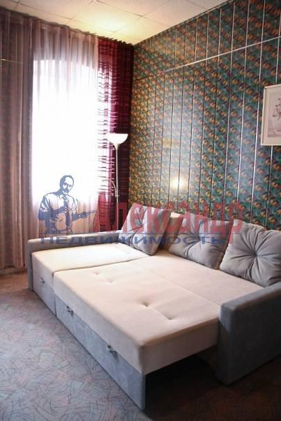 1-комнатная квартира (40м2) в аренду по адресу Звездная ул., 10— фото 4 из 4