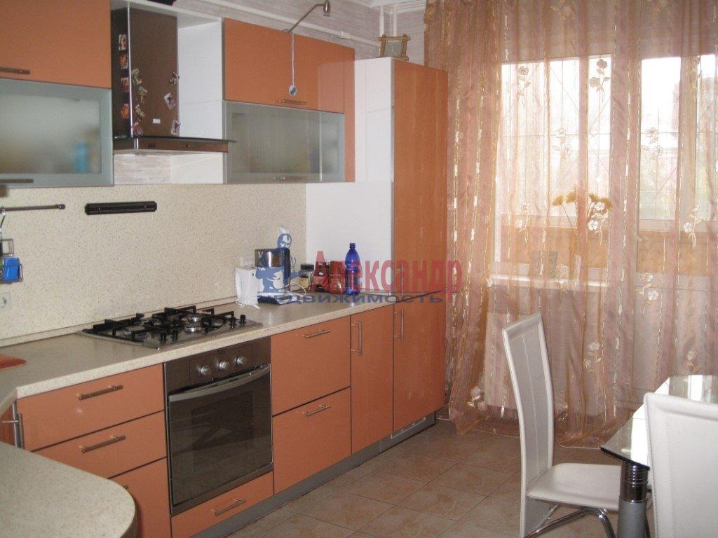 3-комнатная квартира (96м2) в аренду по адресу Луначарского пр., 11— фото 1 из 1