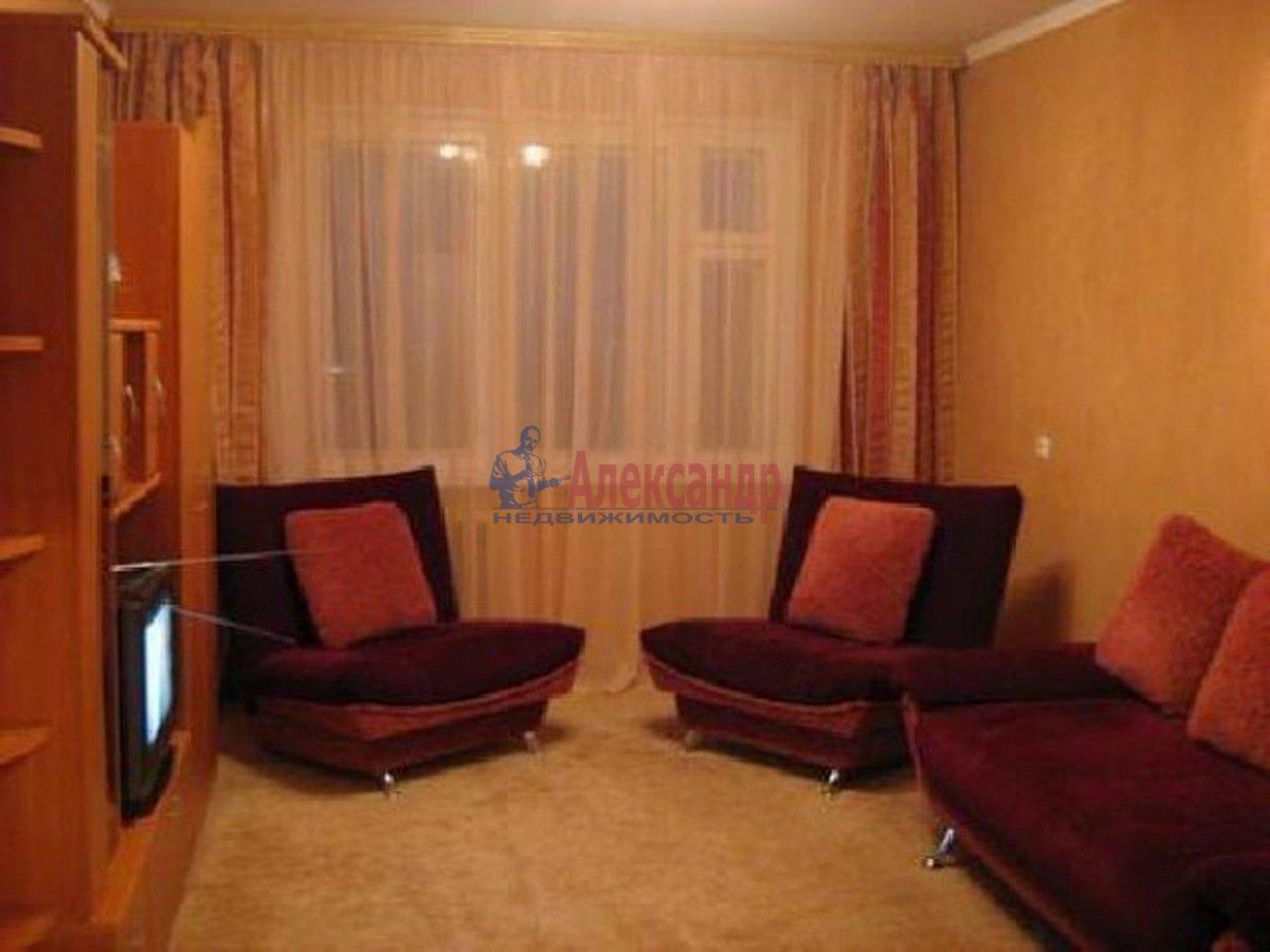 2-комнатная квартира (75м2) в аренду по адресу Дунайский пр., 23— фото 1 из 2