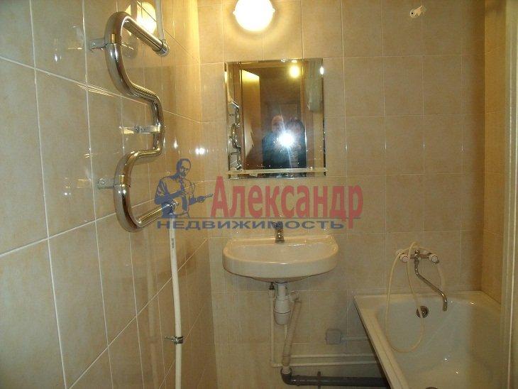 3-комнатная квартира (72м2) в аренду по адресу Федора Абрамова ул., 8— фото 2 из 4