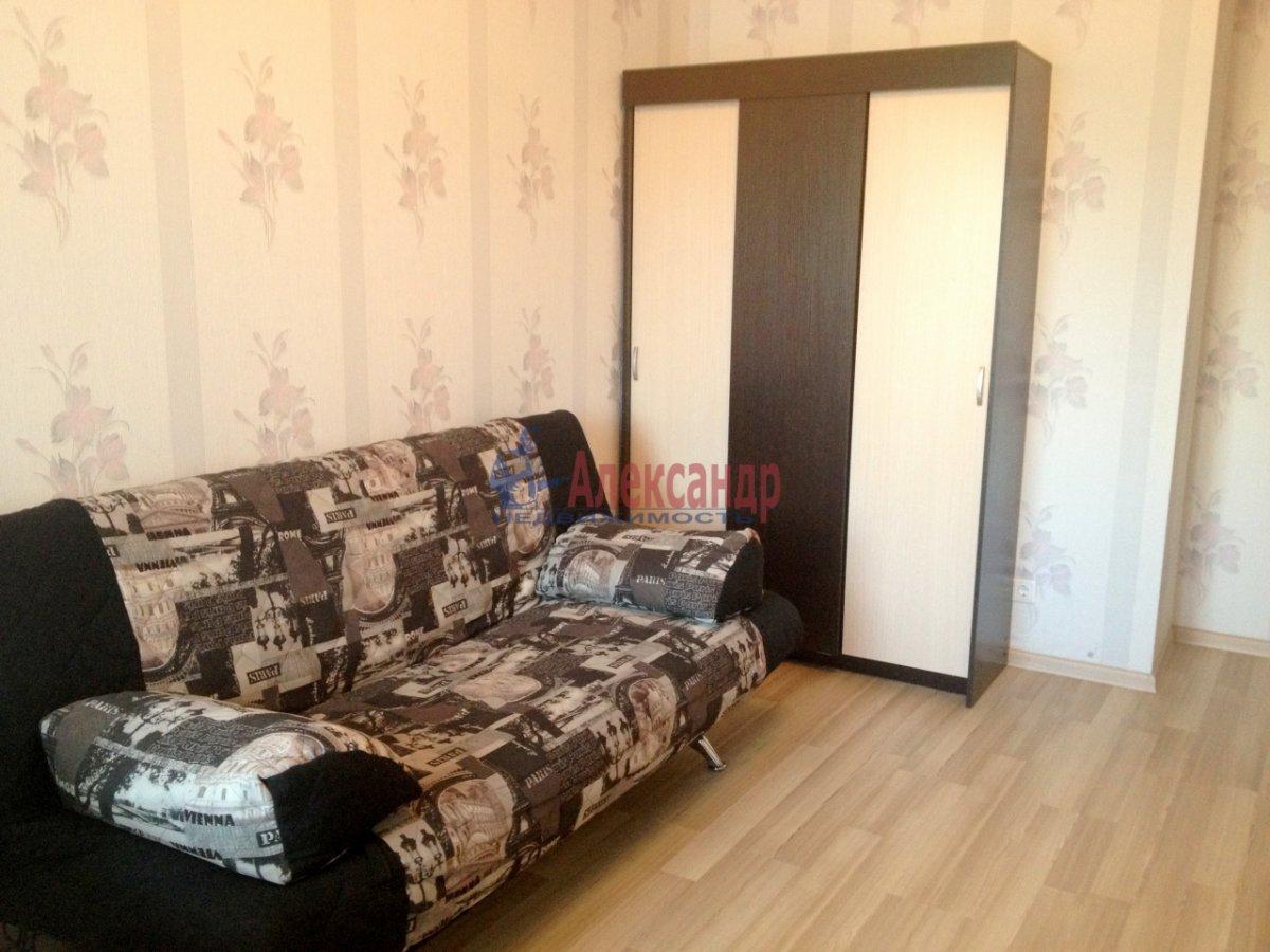 2-комнатная квартира (72м2) в аренду по адресу Просвещения пр., 15— фото 2 из 11