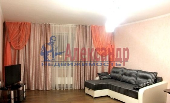 Комната в 2-комнатной квартире (64м2) в аренду по адресу Московский просп., 163— фото 1 из 2