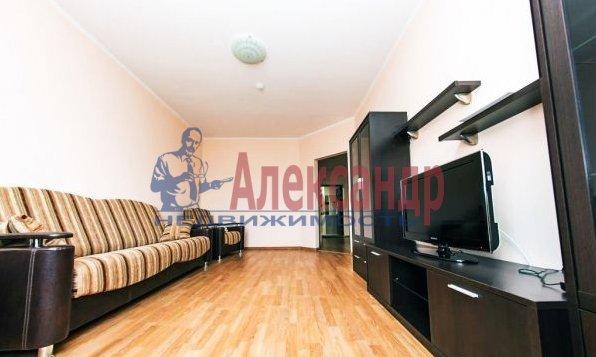Комната в 2-комнатной квартире (68м2) в аренду по адресу Пятилеток пр., 2— фото 2 из 2