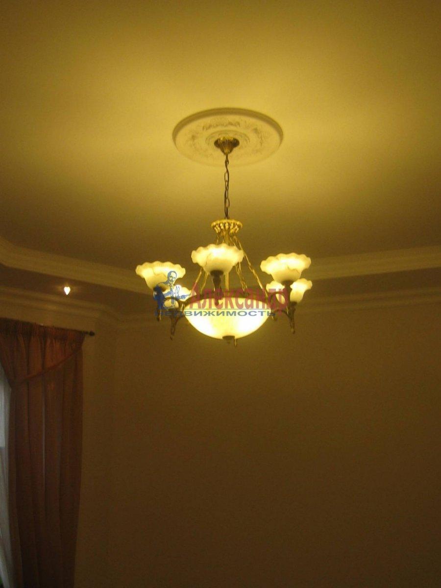 2-комнатная квартира (80м2) в аренду по адресу 5 Советская ул., 4— фото 8 из 16