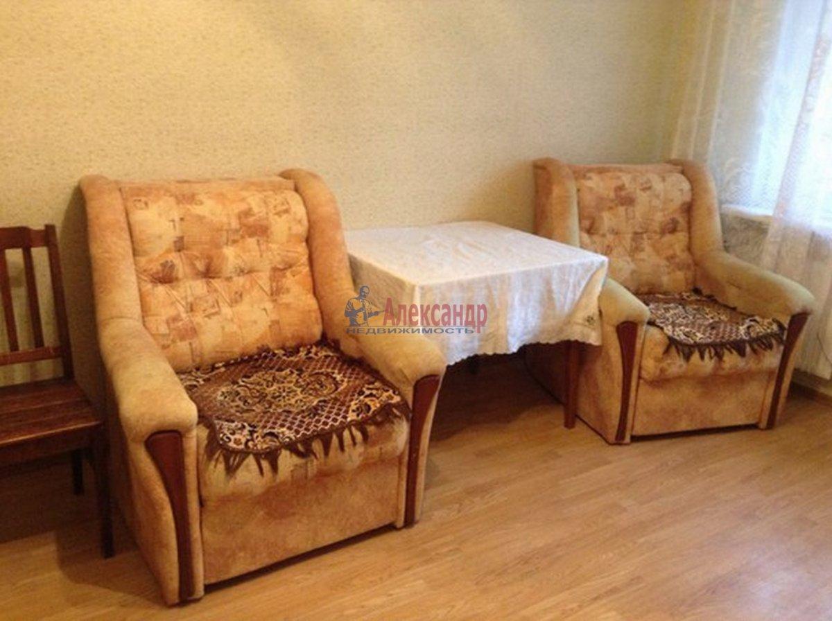 2-комнатная квартира (62м2) в аренду по адресу Михаила Дудина ул.— фото 1 из 10