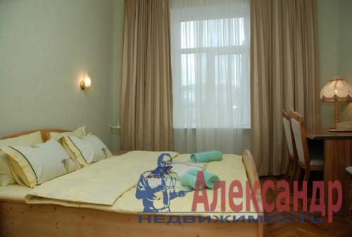 3-комнатная квартира (89м2) в аренду по адресу Московский просп., 75— фото 2 из 4