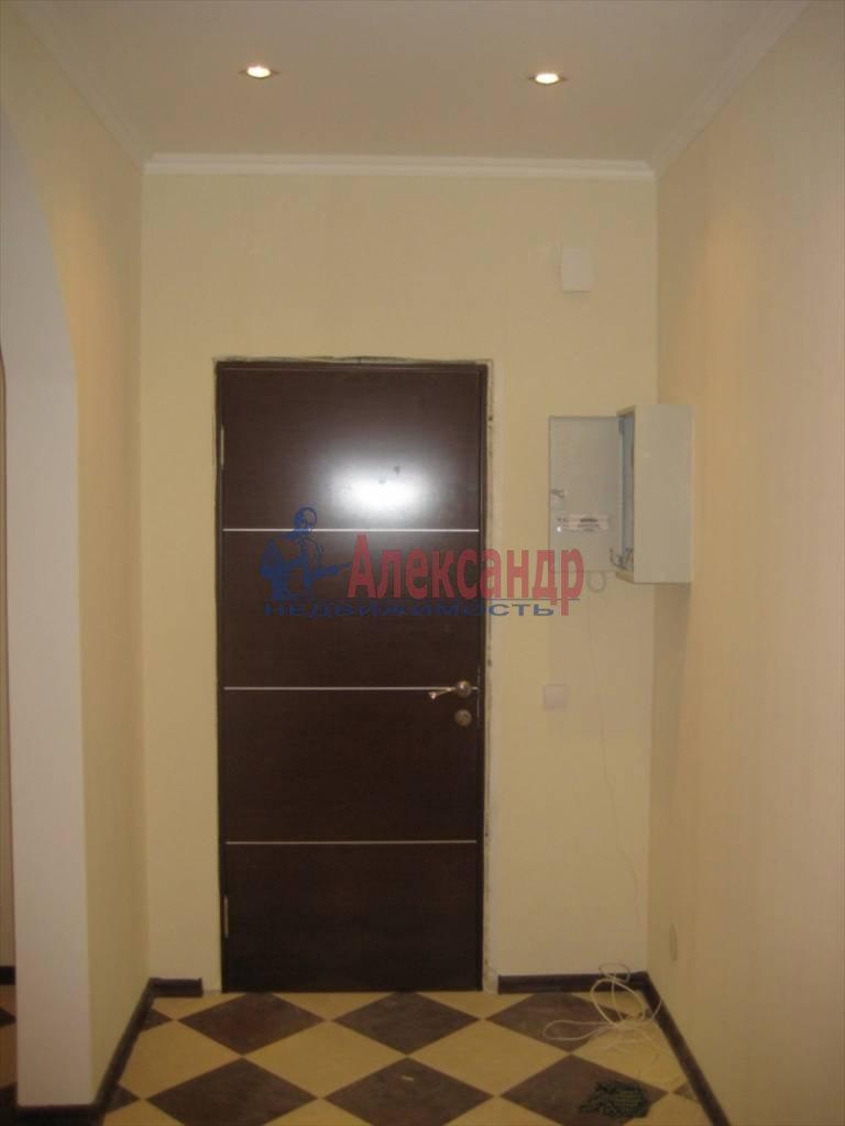 2-комнатная квартира (60м2) в аренду по адресу Коломяжский пр., 28— фото 3 из 6