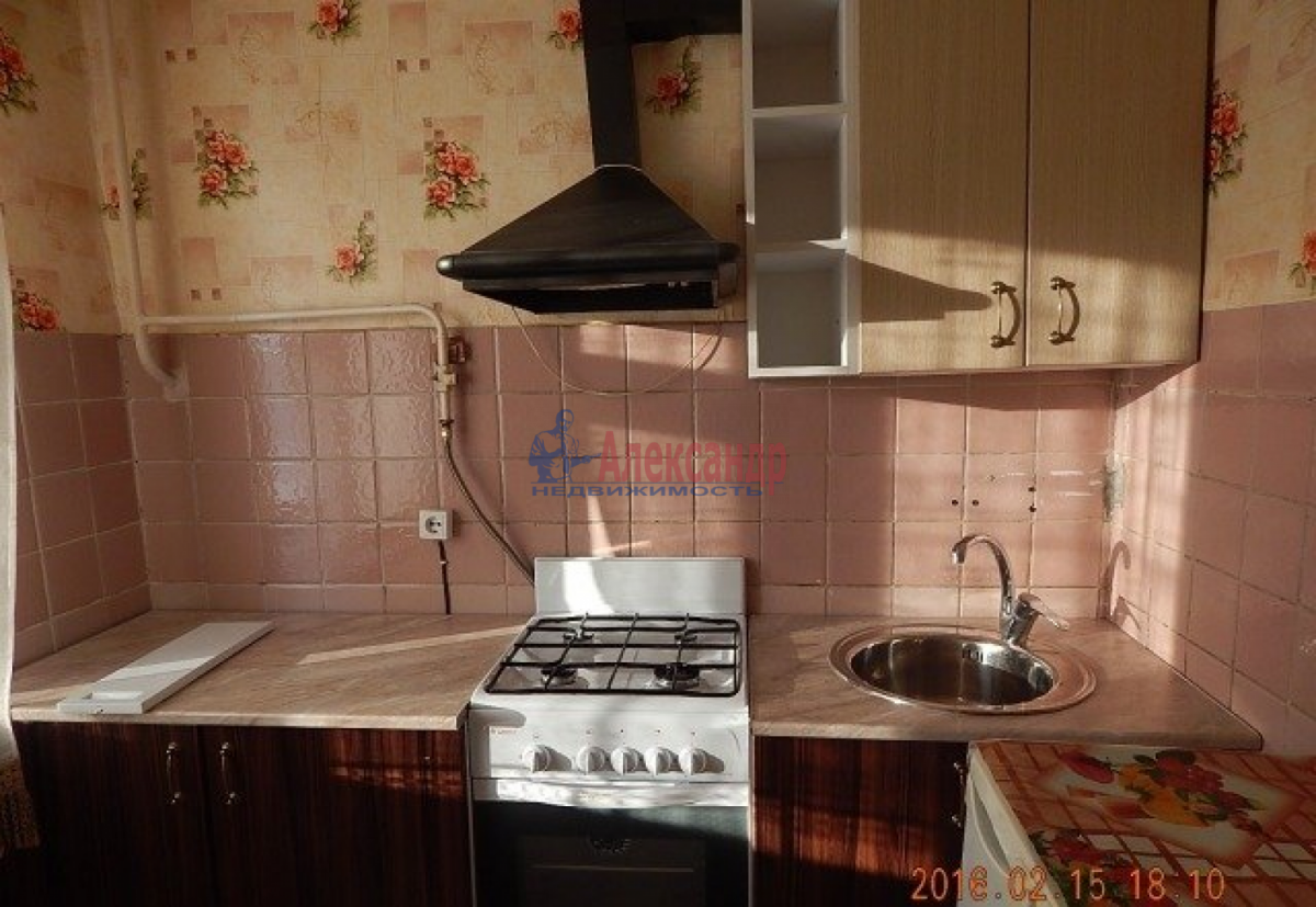 1-комнатная квартира (33м2) в аренду по адресу Белградская ул., 24— фото 1 из 8