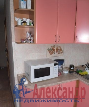 1-комнатная квартира (40м2) в аренду по адресу Бассейная ул., 5— фото 2 из 3