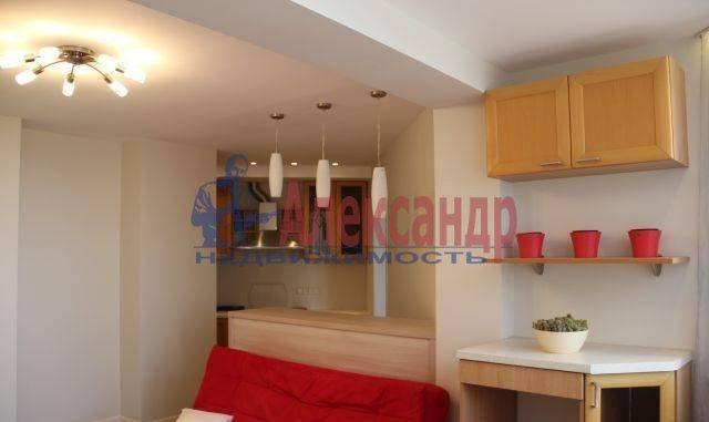 2-комнатная квартира (65м2) в аренду по адресу Обуховской Обороны пр., 110— фото 3 из 7