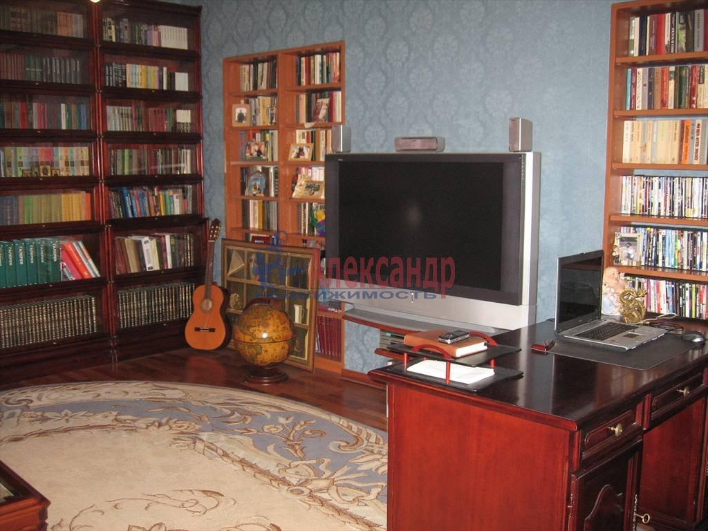 4-комнатная квартира (220м2) в аренду по адресу Восстания ул.— фото 4 из 4