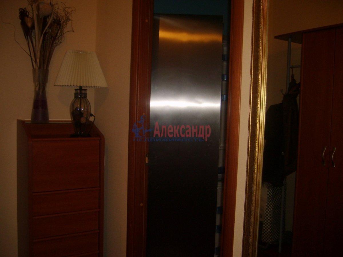 1-комнатная квартира (38м2) в аренду по адресу 13 линия В.О., 54— фото 2 из 8