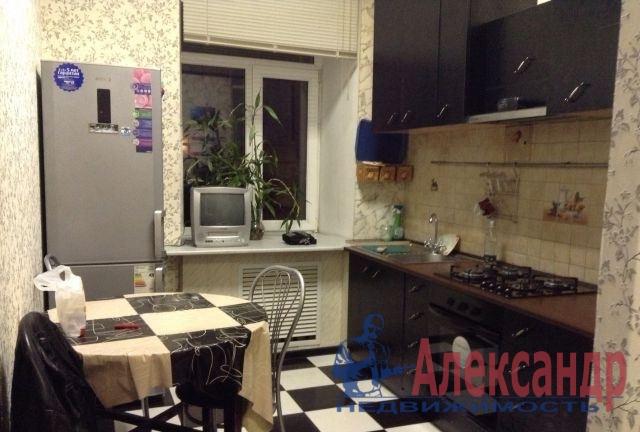 1-комнатная квартира (35м2) в аренду по адресу Нахимова ул., 3— фото 2 из 2