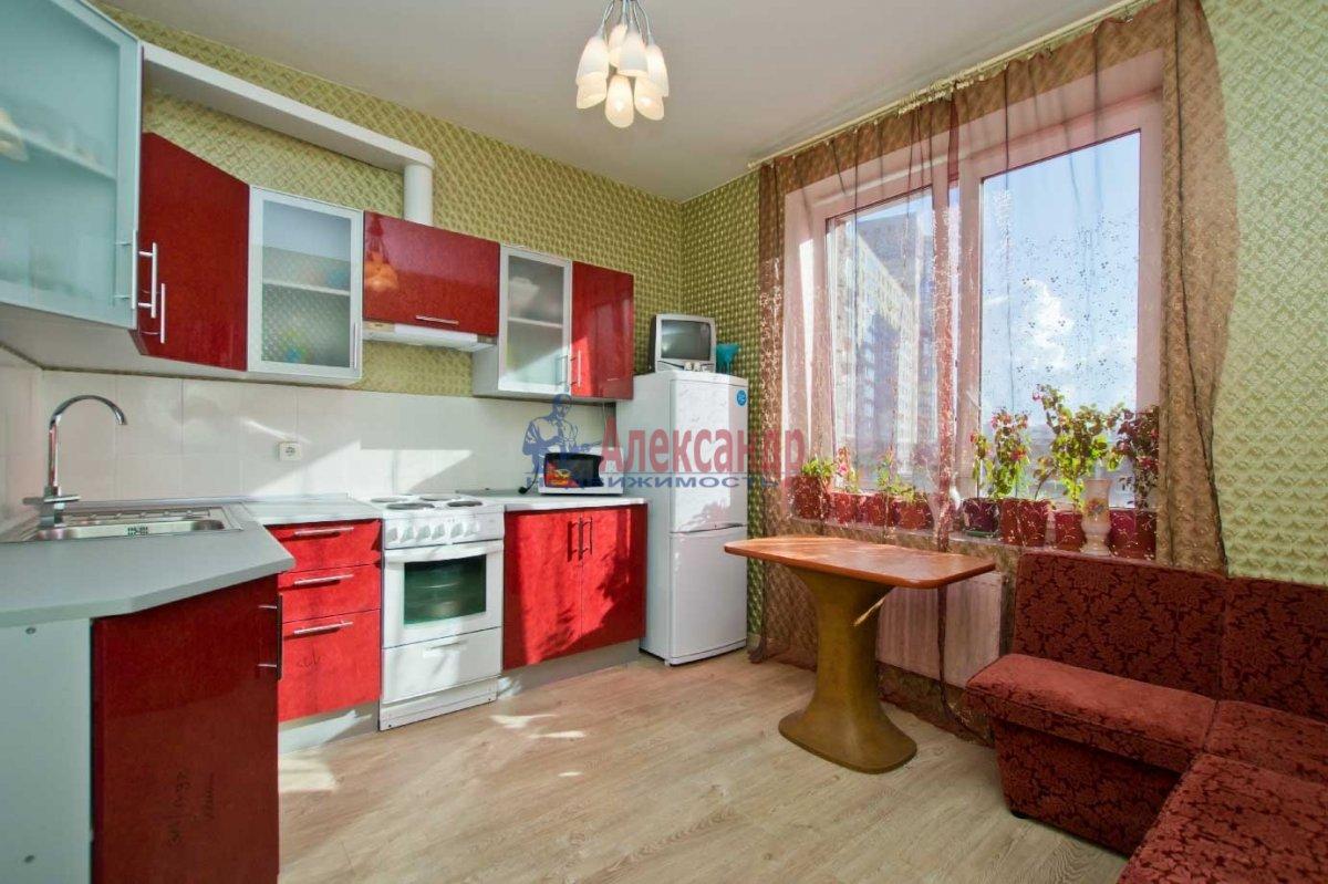 1-комнатная квартира (40м2) в аренду по адресу Кораблестроителей ул., 32— фото 2 из 6