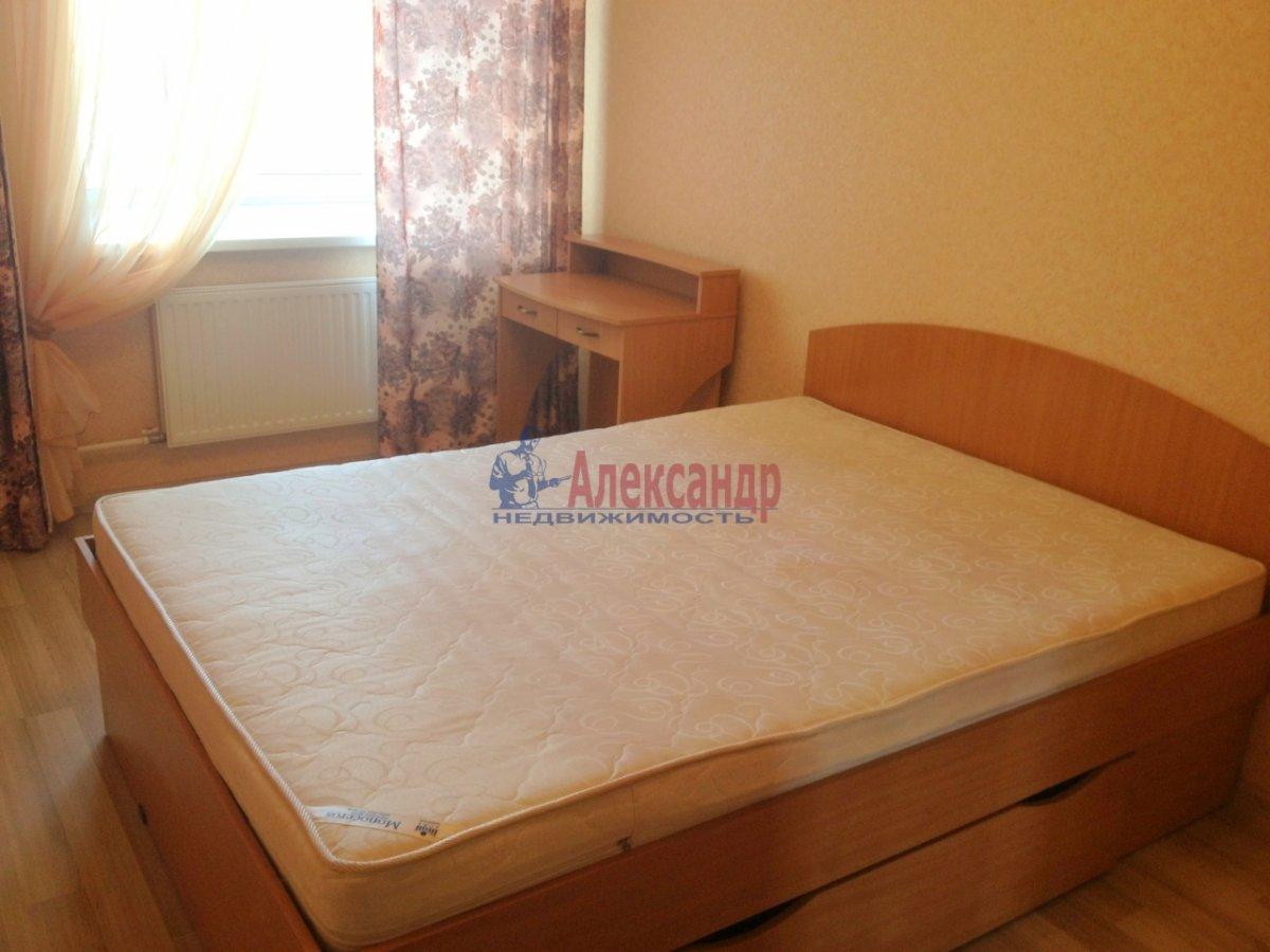 2-комнатная квартира (72м2) в аренду по адресу Просвещения пр., 15— фото 4 из 11