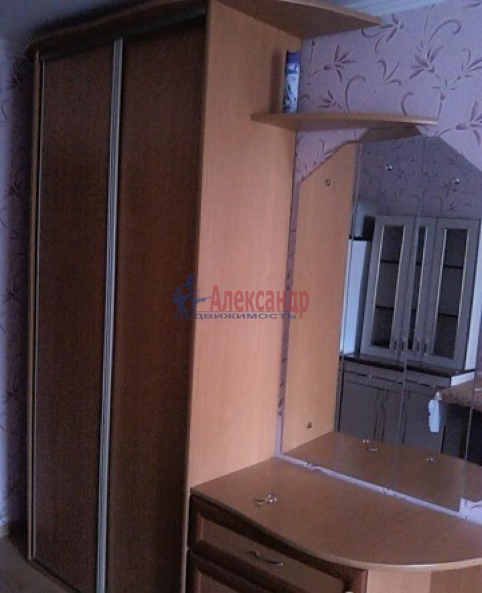Комната в 3-комнатной квартире (76м2) в аренду по адресу 21 линия В.О., 16— фото 3 из 6