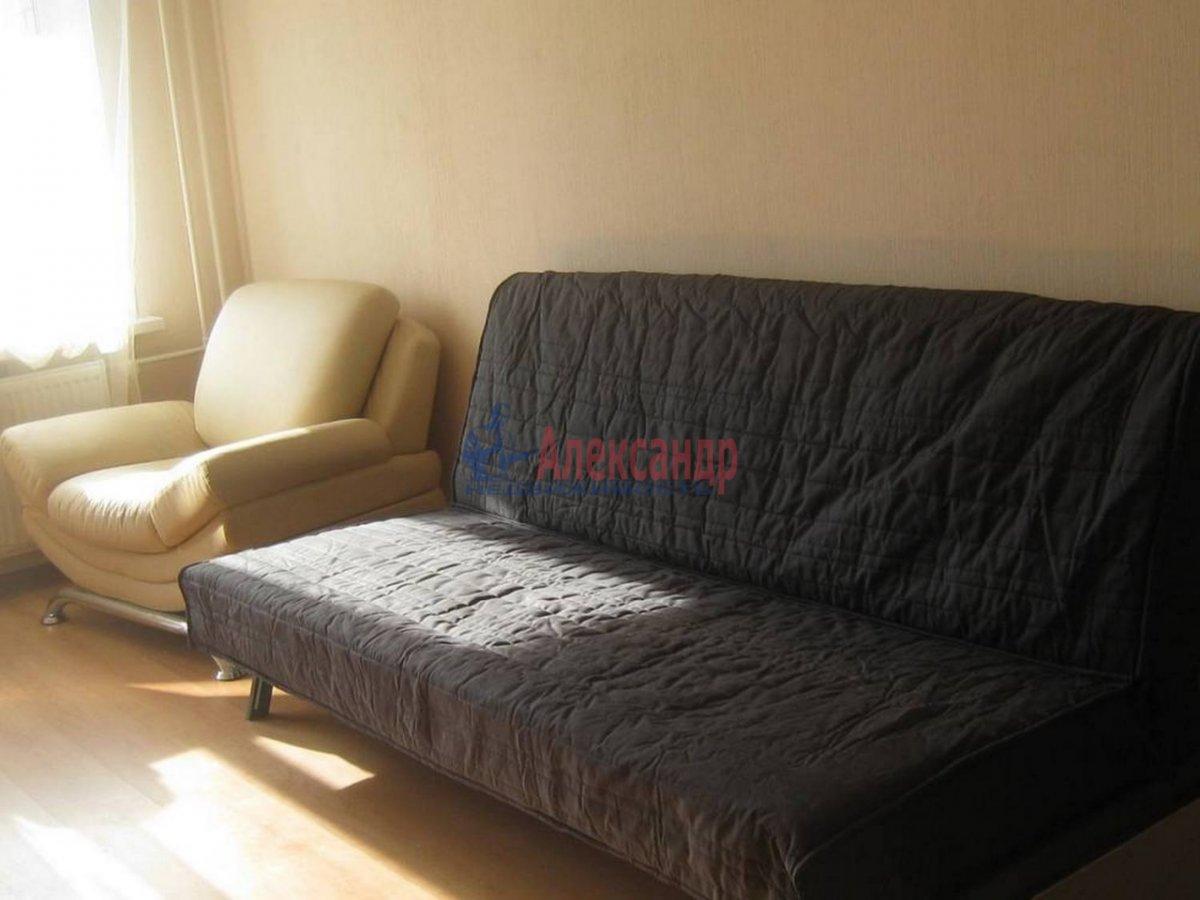 1-комнатная квартира (35м2) в аренду по адресу Композиторов ул., 12— фото 3 из 7