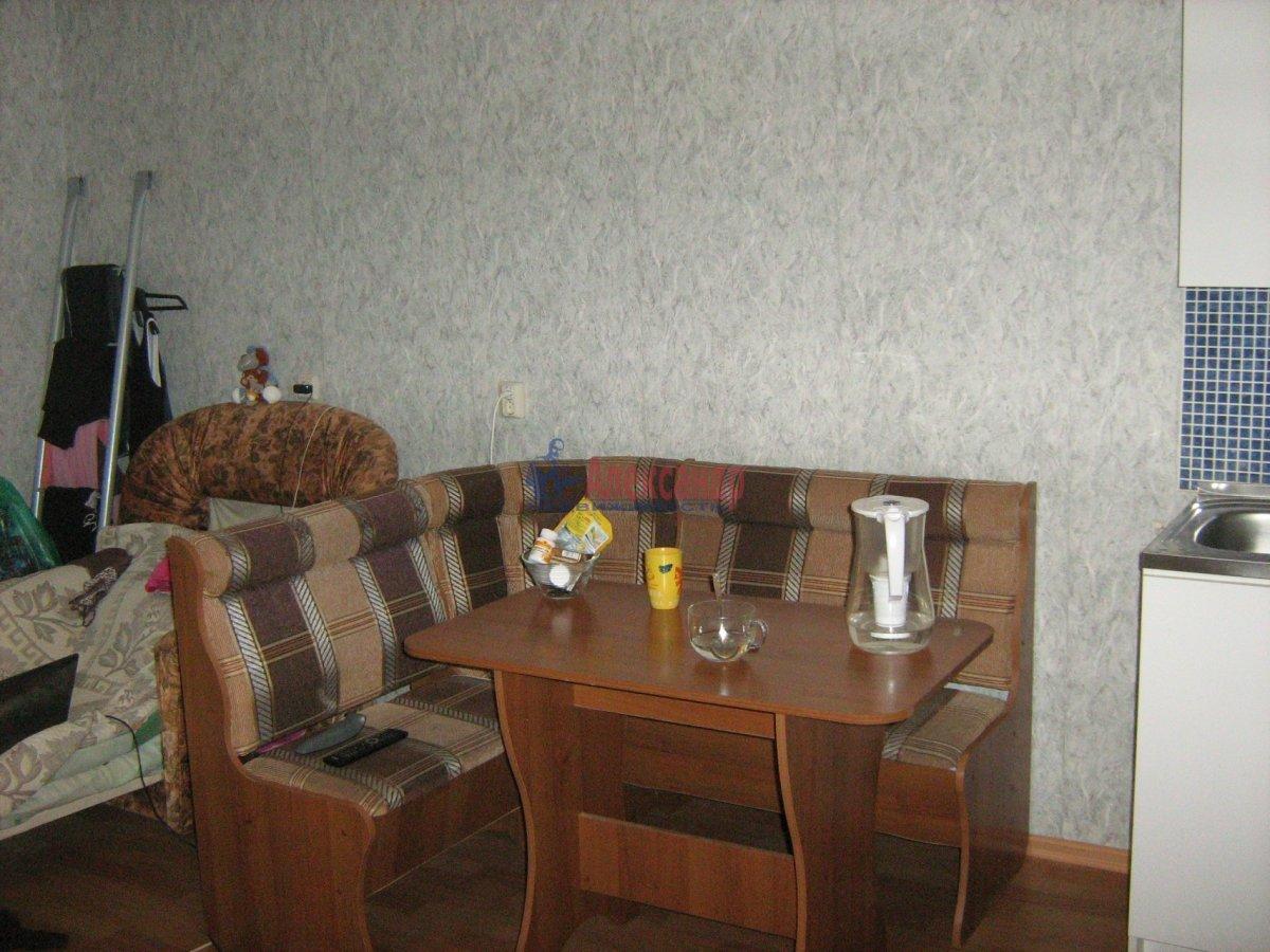 1-комнатная квартира (40м2) в аренду по адресу Парголово пос., Федора Абрамова ул., 8— фото 2 из 7