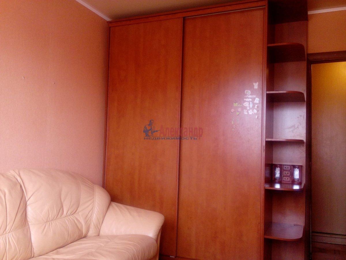 2-комнатная квартира (45м2) в аренду по адресу Суздальский просп., 73— фото 2 из 8
