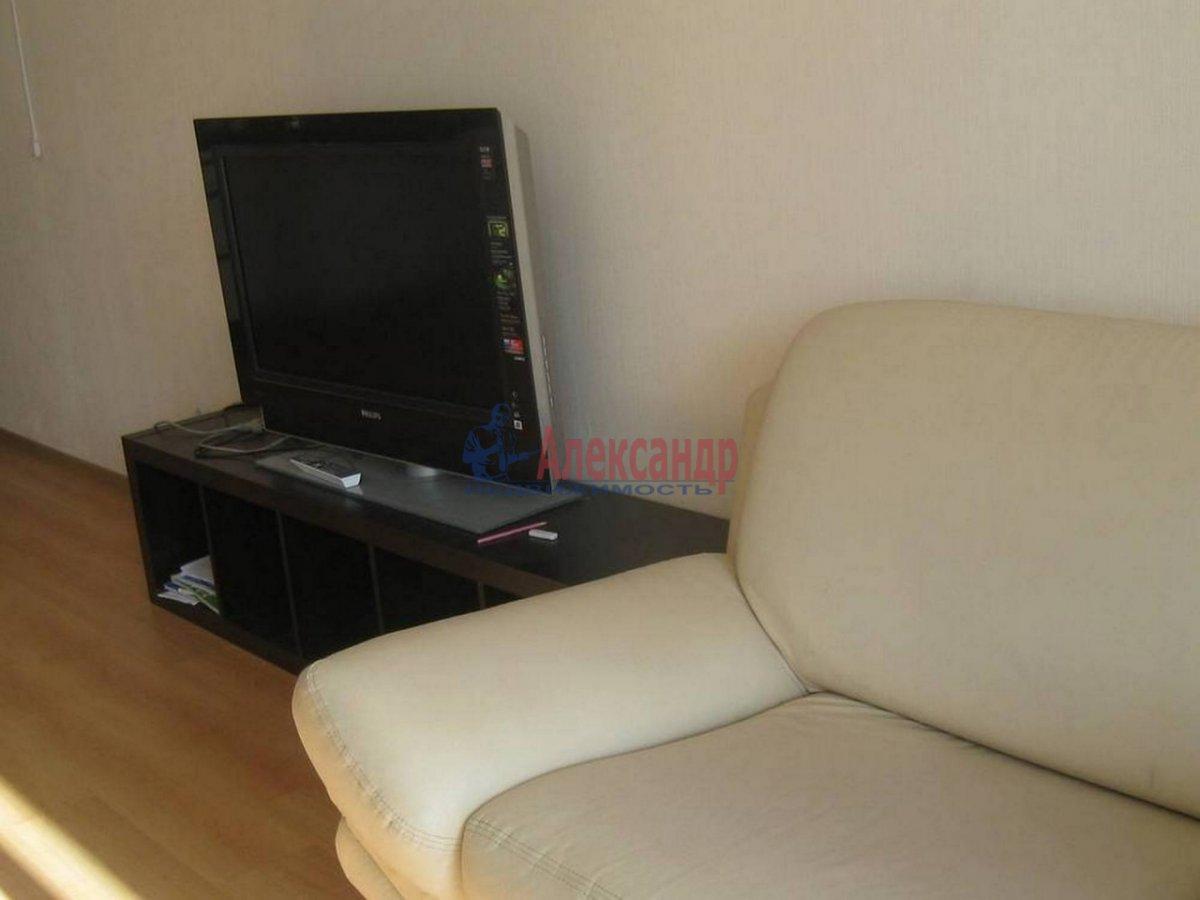1-комнатная квартира (35м2) в аренду по адресу Композиторов ул., 12— фото 4 из 7