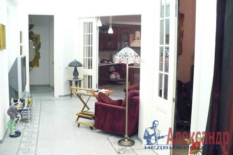 4-комнатная квартира (175м2) в аренду по адресу Кронверкская ул., 29/37— фото 6 из 10