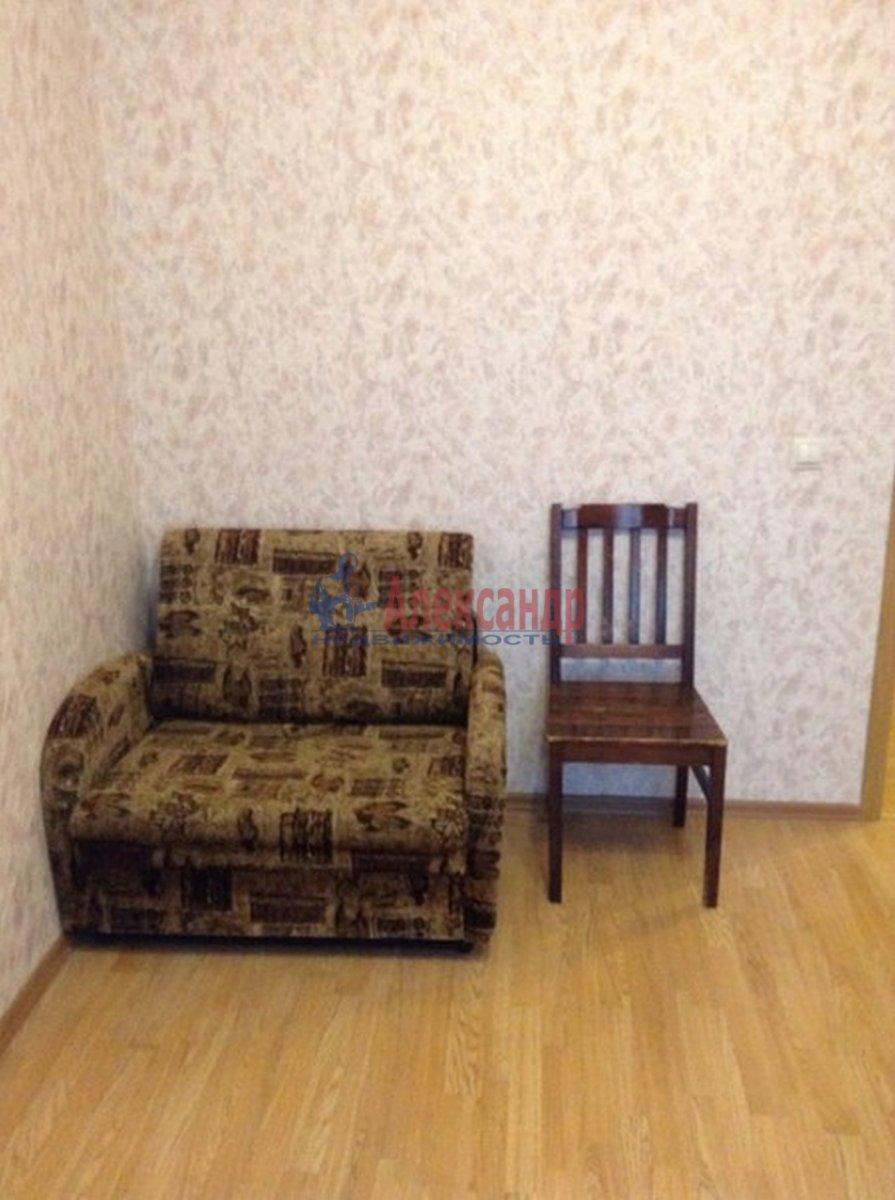 2-комнатная квартира (62м2) в аренду по адресу Михаила Дудина ул.— фото 7 из 10
